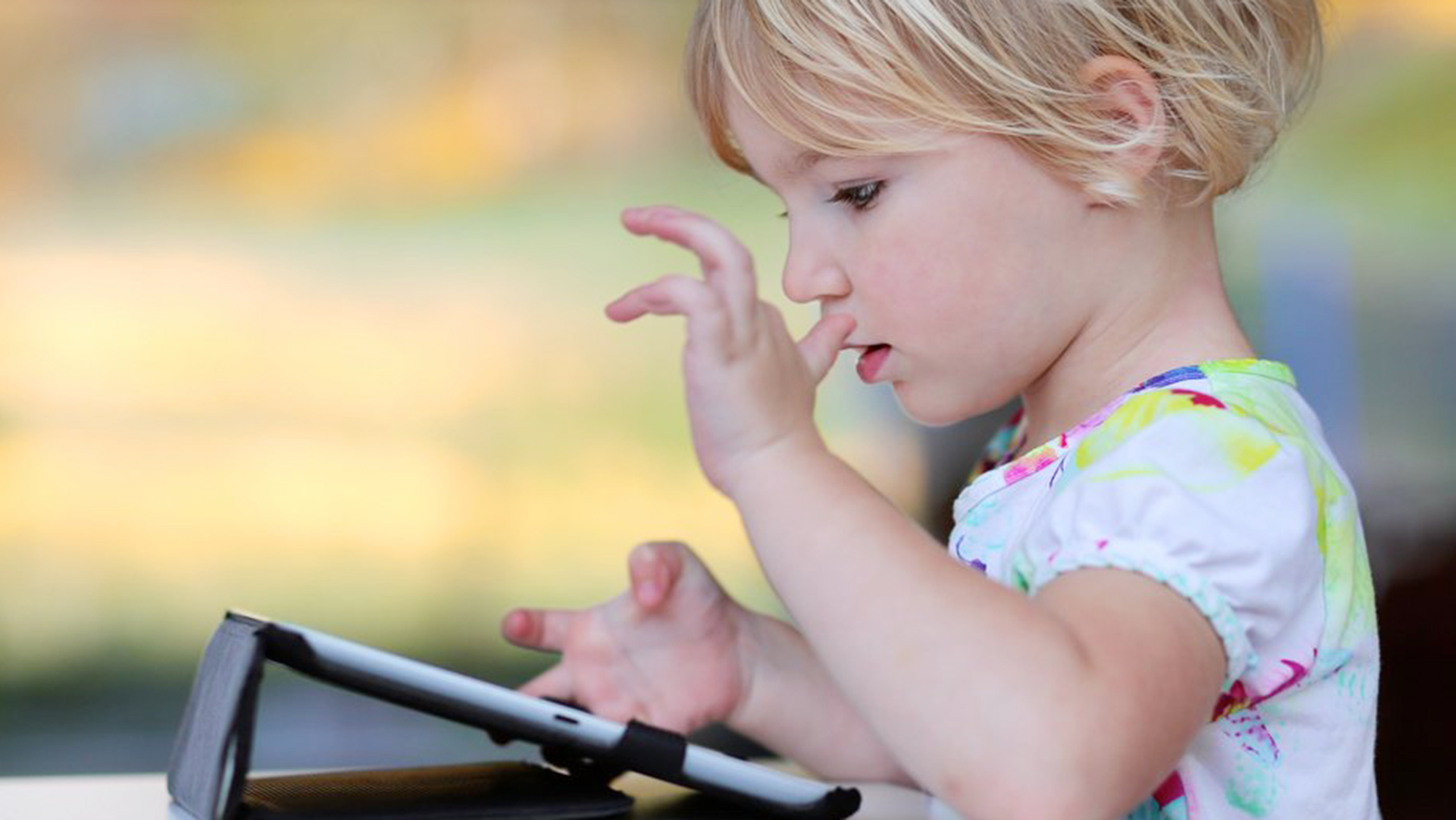 Why Is Screentime Bad For Young Children >> Tablet Screen Time Good Or Bad Grown Up Guides To